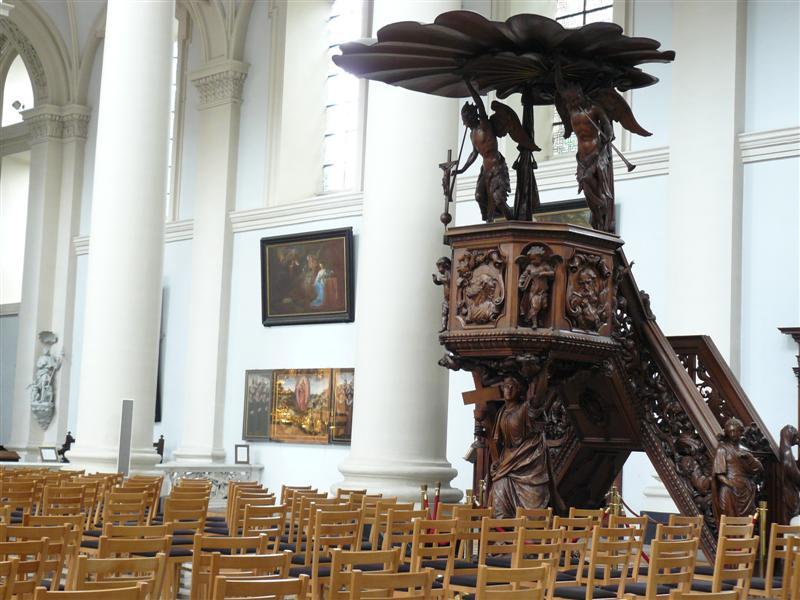 Brujas. Iglesia de Santa Walburga. Pulpito