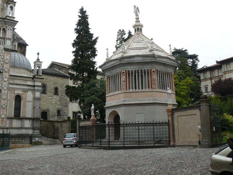 Bergamo. Baptisterio