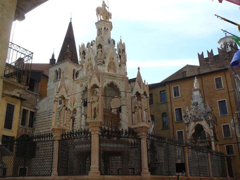 Verona. Arcas Scaligere